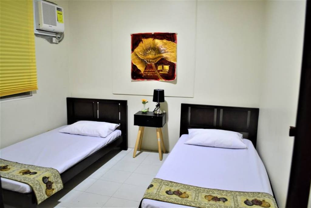 Room 2 ( 2 beds for 2 to 4 persons)