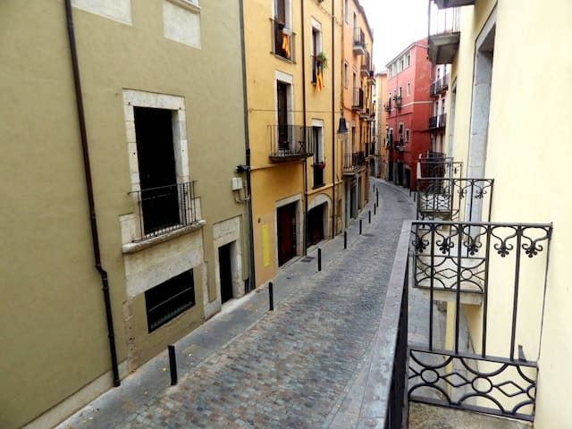 Apartment Old Town Girona | lodging with parking Spain