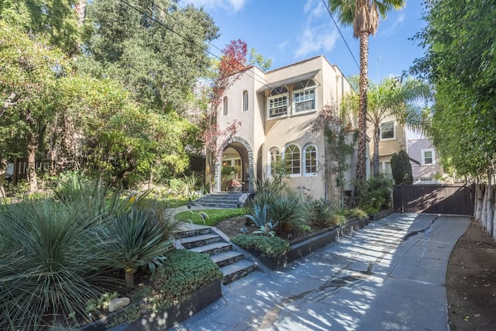 Luxe Home nr Walk/Fame & Runyon/ outdoor Jacuzzi - Los Angeles - House