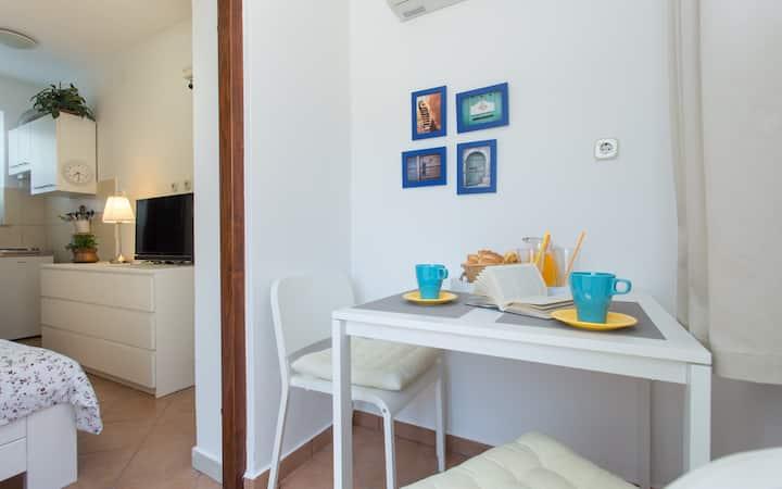 Cosy small studio apartment