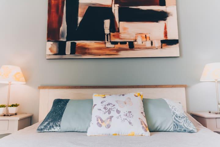 Chambre Lit Queen size / Bedroom Queen size bed