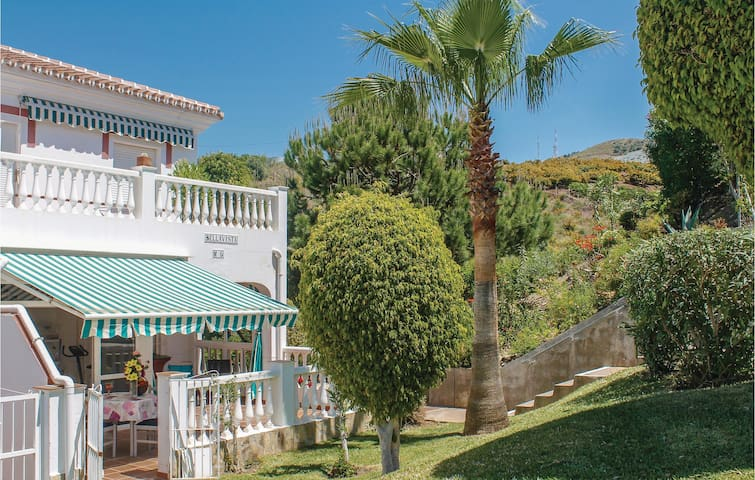 Terraced house with 2 bedrooms on 50 m² in Torrox Costa