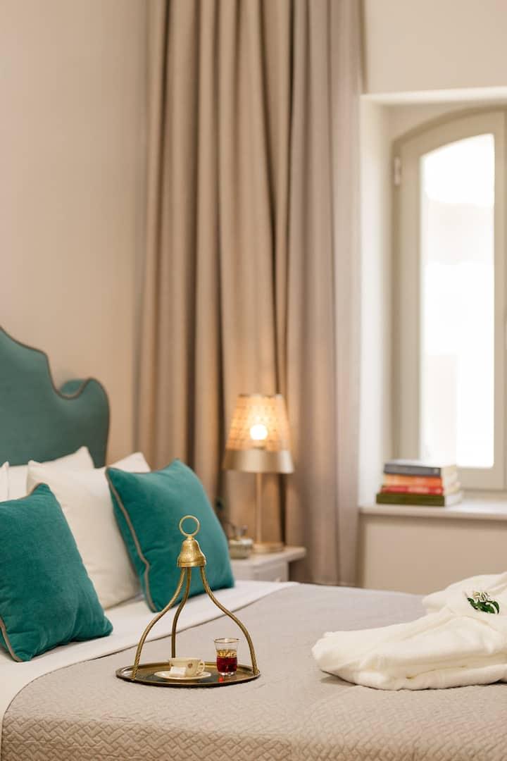 Magnificent 1850s Villa Hotel in Eressos, Lesvos!