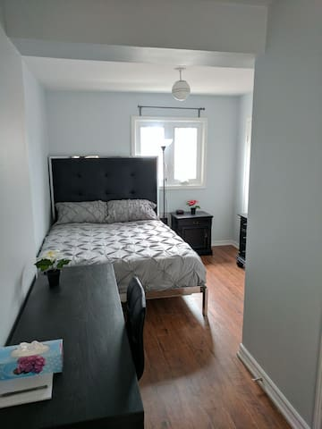 Enchanted /w Ensuite,3min to Subway, 50% off Nov!