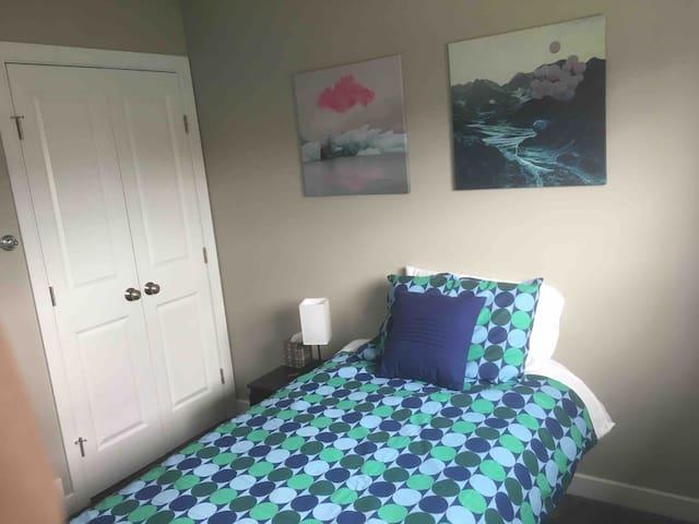 Henner's Village - Single Bed