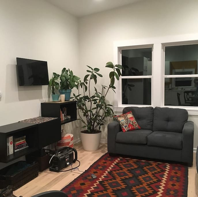 Living room-Games, puzzles, books, kid toys & books available for use
