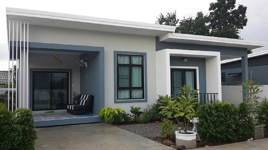 Baan V Pran 2 (Semi-detached house) in Pranburi