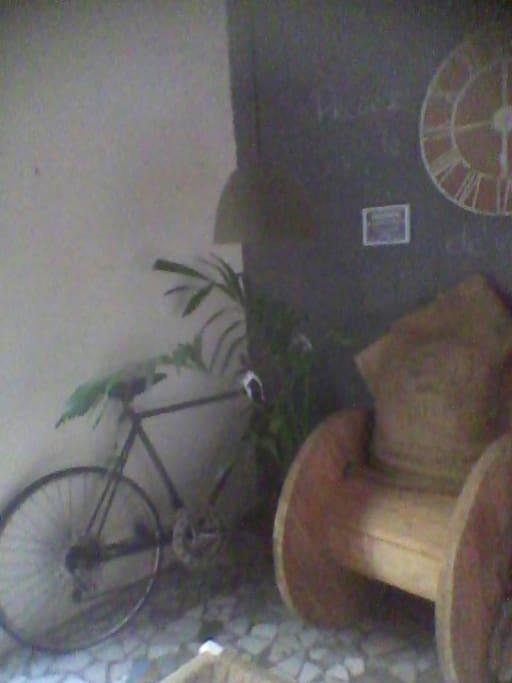 Vélo disponible pour petites balades citadines
