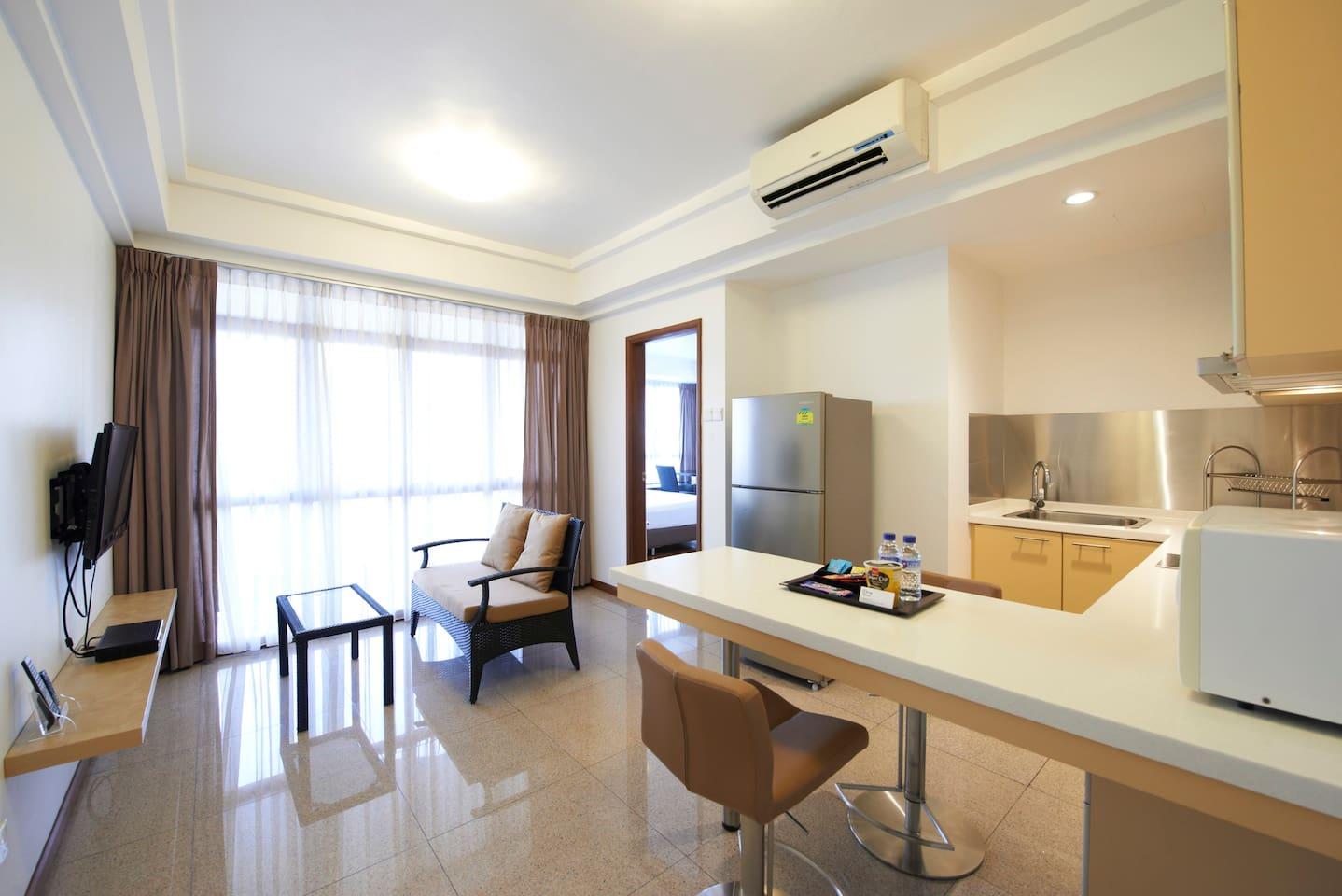 Lounge, Kitchen & Dining