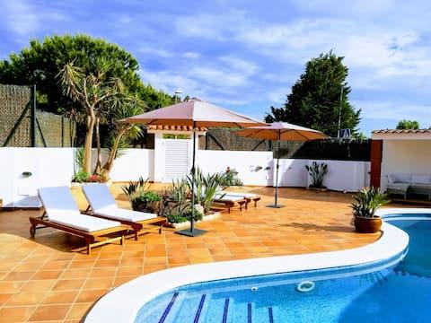 配有花園和遊泳池的明亮的Loft !