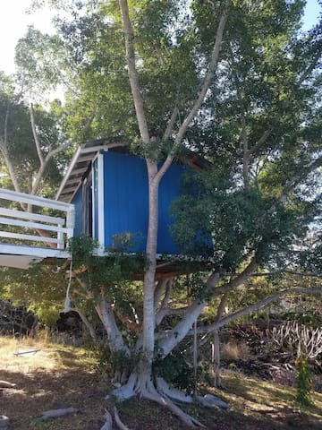 Sophie's Treehouse@Dee's Farm/Off Grid/Ocean View