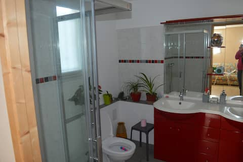 Chambre + salle de bain entre Sarlat et Rocamadour