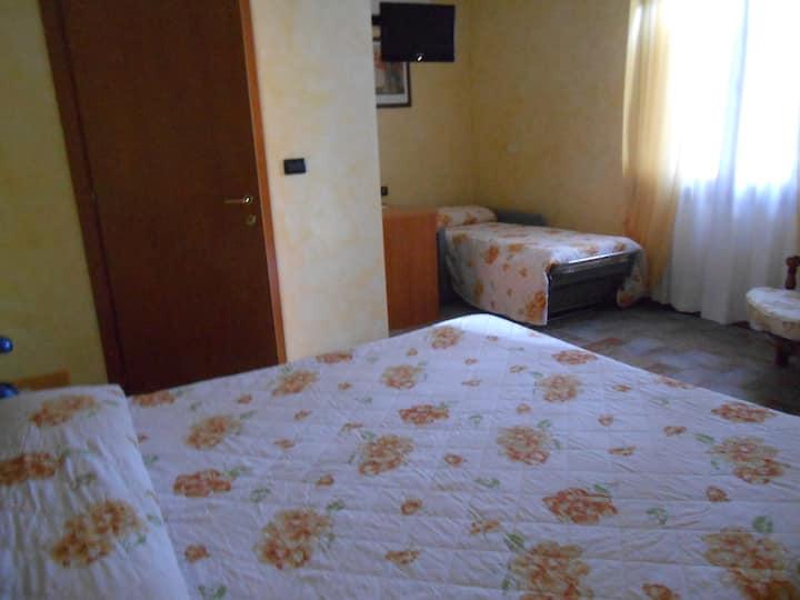 triple bedroom in farm contest