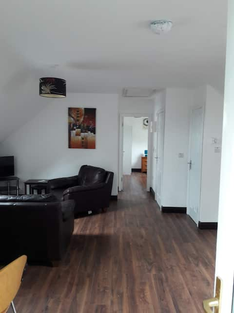 Modern 2 Bedroom Self Catering Apartment