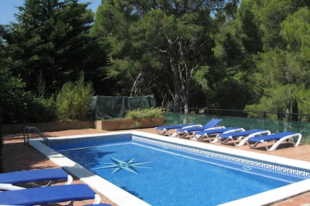 Cozy Apartment in Playa de Pals with Swimming Pool