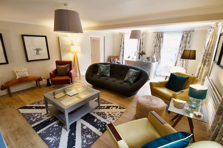 Luxurious 4 Bedroom house in rural Inkpen
