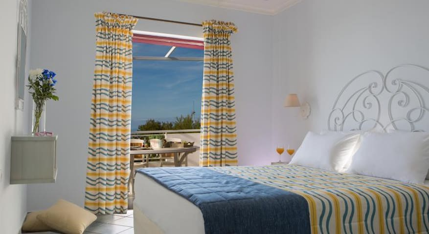 Deluxe Suite with Sea View - Exanthia - Casa