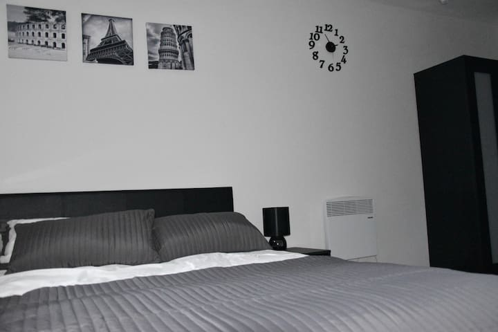 Great Location - En suite with double bed