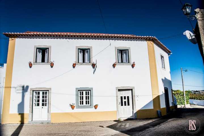 Casa do Poeta - Carvalhal - Haus