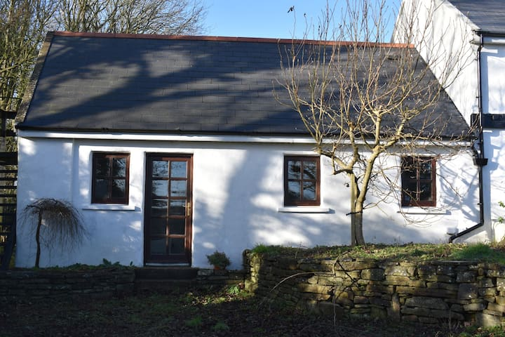 Comfortable private room 2km from Bandon