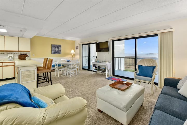 Family Friendly Bay Princess Condo with Outdoor Pool and Bayfront Balcony!