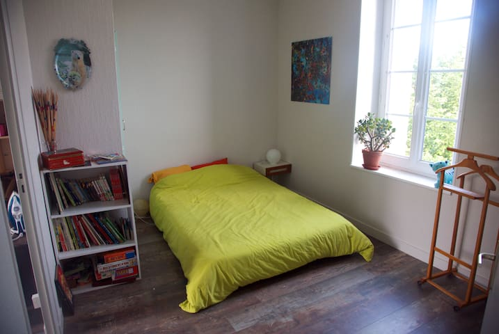 Room very close to le Puy du Fou - Les Epesses - บ้าน