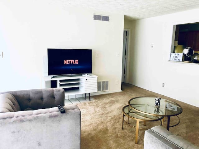 LONG TERM STAY QUEEN SUITE 1 CLOSE 2 AIRPRT/DWNTWN