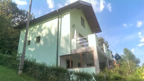 House for rest Sarajevo - 11 km from the Igman .