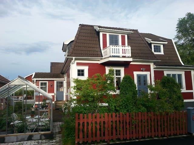 Villa med trädgård i Eksjö - Eksjö