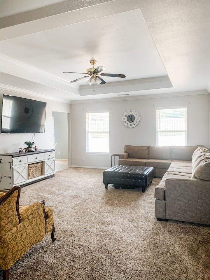 Entire home 5 miles or less to MTB, Museums & more