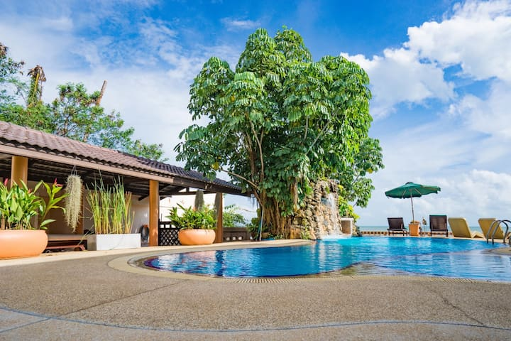 Cosy & Luxurious 2 BRM Beachfront Villa with pool - Ko Samui - Casa de campo