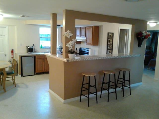 Cozy full private home - 3/2 - near Tarpon Springs