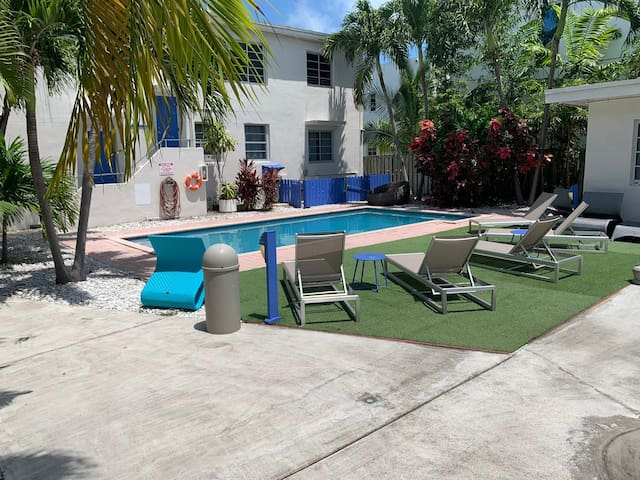 4br2ba Steps to Flamingo Park in the Heart of SOBE