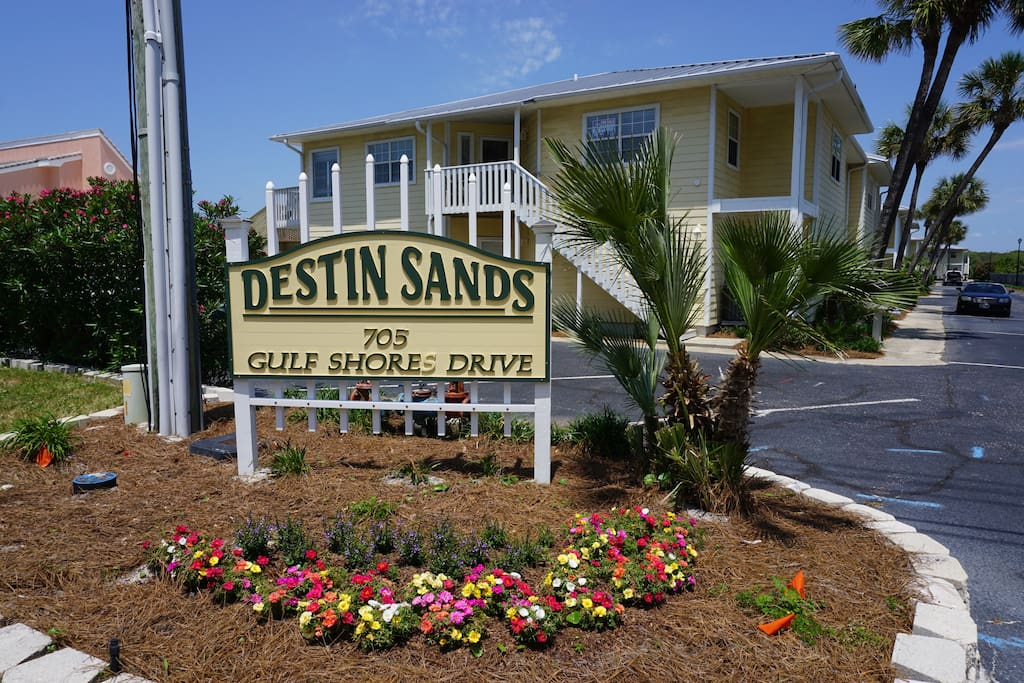 Destin Sands...Your spot is on this 2nd floor with no one above you for added quiet and privacy.