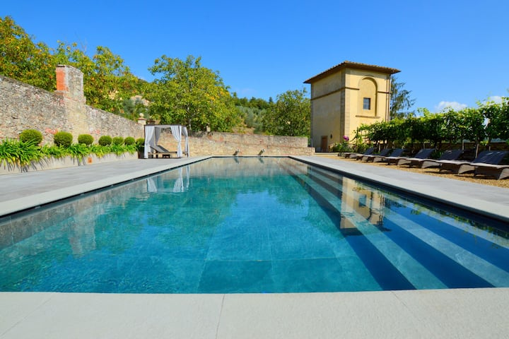 Peaceful Cottage in San Donato in Collina with Swimming Pool