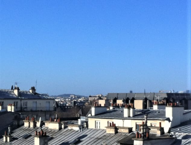 Flat with a view on Paris, Canal Saint Martin !