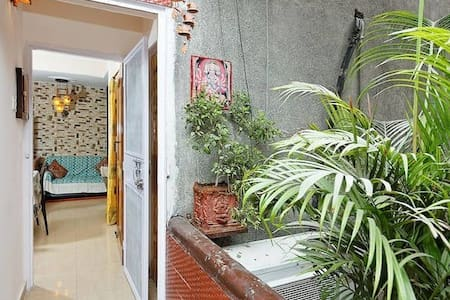 Welcome Apartment Home 2BHK - New Delhi - Bed & Breakfast