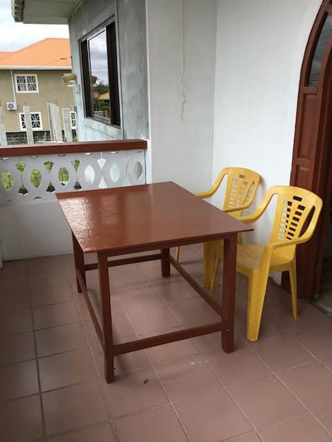 Single room #1 in quiet, safe apartment in Diamond