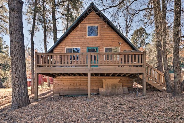 'Sherwood Cabin' Pet-Friendly Cloudcroft Home!