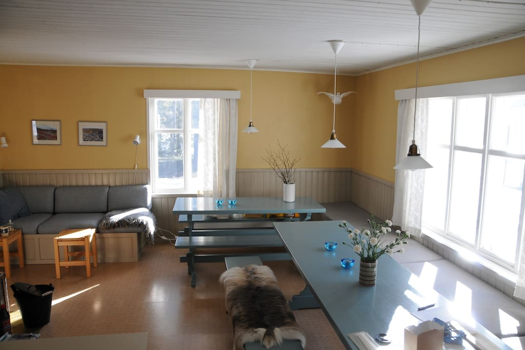 Old dining/sittingroom