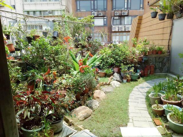 适合深度旅游的吃货,交通很便利! - Distrik Zhongshan - Kondominium
