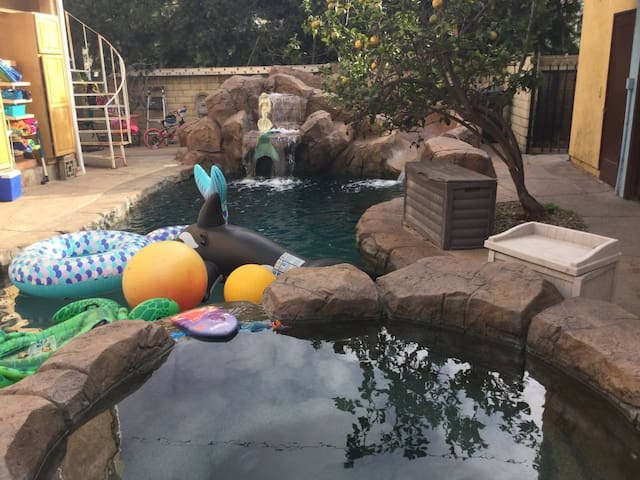 Secret Pool Petit Suite Private Bath & kitchenette