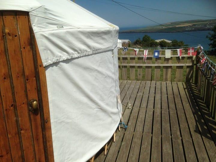 18' Cosy Yurt @AlltycoedCampsite in Pembs, Wales