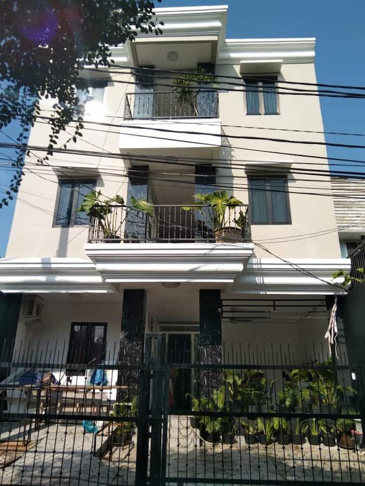 DEdaun Bintaro near STAN elegant Guest House