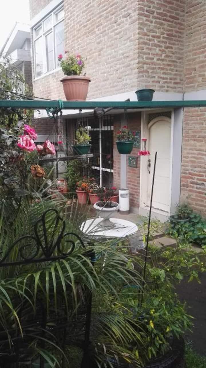 casa independiente acogedora con jardin