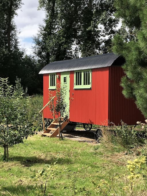 Hand-crafted Shepherd's Hut painted in Swedish falu red