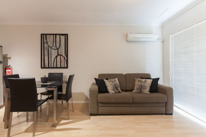The Mount Apartment 27 - North Perth - Appartement