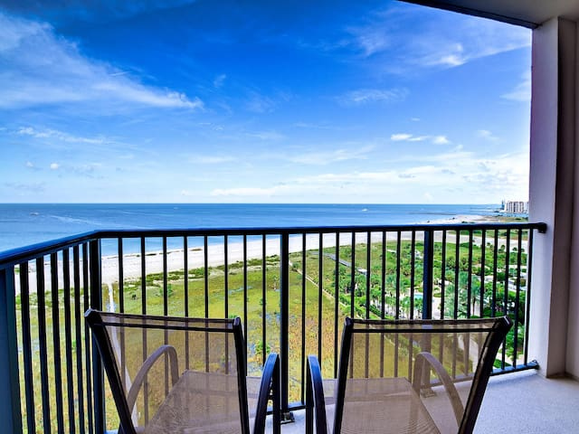 Landmark Towers 1604 Great View of the Gulf of Mexico 22929