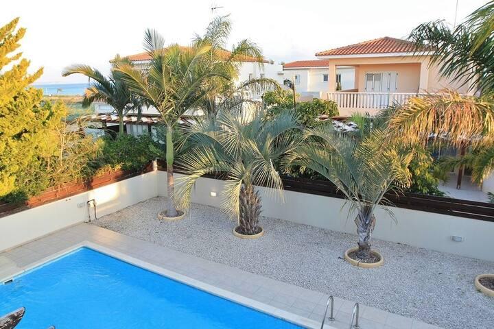 Villa Larnaca Bay