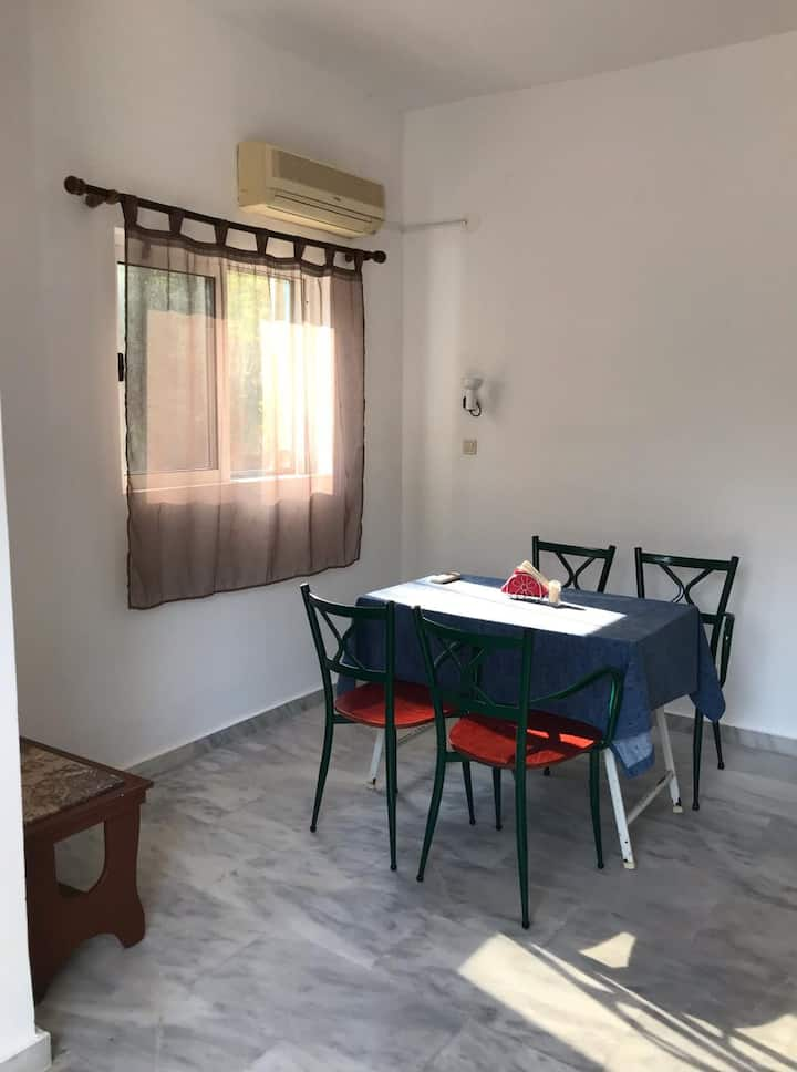 Cozy room 200m from the Beach